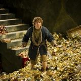 Ostersonntag 20:15 Uhr auf ProSieben: Der Hobbit: Smaugs Einöde  Mit Martin Freeman in die Höhle des Drachen: Bilbo und die Zwerge kommen im verfluchten Düsterwald an. Die dort ansässigen Elben nehmen die Reisegruppe gefangen. Nur Bilbo kann sich der Verhaftung entziehen und schleicht sich in die Kerker der Elbenfestung, um seine Freunde zu befreien. Nach einer abenteuerlichen Flucht gelangen die Gefährten in die Seestadt und machen sich von dort aus auf den Weg in die Tiefen des Zwergenreichs Erebor, wo der bösartige Drache Smaug lauert...