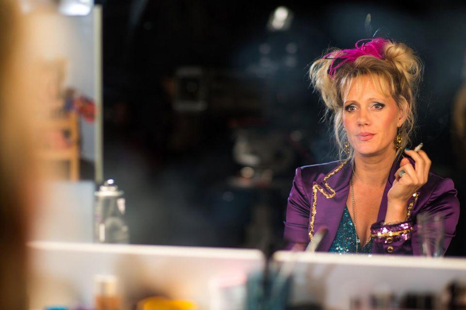 Karfreitag: 20:15 Uhr auf RTL  Auf dem Höhepunkt ihrer Karriere erleidet der bekannte Comedy- und TV-Star Gaby Köster einen schweren Schlaganfall. Die mehrfach ausgezeichnete Künstlerin gibt jedoch nicht auf, kämpft sich trotz vieler Höhen und Tiefen zurück.