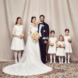 Ein Foto des Brautpaares mit den Blumenmädchen darf nicht fehlen. Estelle, die Kleinste, macht ihre Sache wieder ganz vorbildlich.