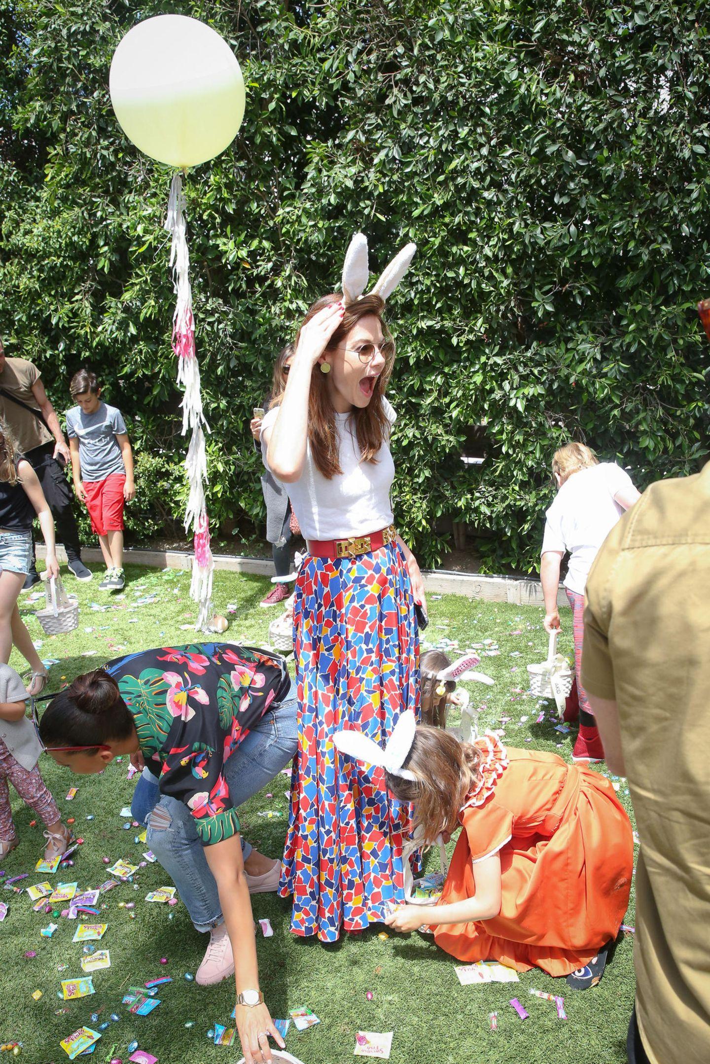 """Auf die Plätze, fertig, los! Michelle Monaghan zählt zu den prominenten Gästen bei der """"Egg Hunt""""-Veranstaltung in Los Angeles."""