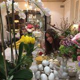 Sofia Vergara feiert Ostern opulent. Sie überzeugt mit einer floralen Tischdekoration.