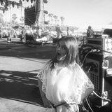 Hier wächst ein Model heran. Die Gene hat sie ja bereits von Alessandra Ambrosio und das Posing sitzt. Anja ist gerade auf dem Coachella-Festival und ganz nah an den Stars.