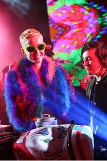 "Katy Perry feiert bei der ""Moschino Candy Crush Desert Party""."