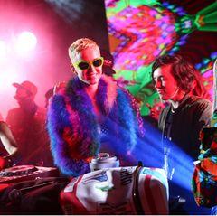 """Katy Perry feiert bei der""""Moschino Candy Crush Desert Party""""."""