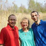 Engelfreund Heiko und sein Bruder Guido werden von Mutter Sigrid auch dieses Mal wieder bei der Suche nach der Richtigen unterstützt.
