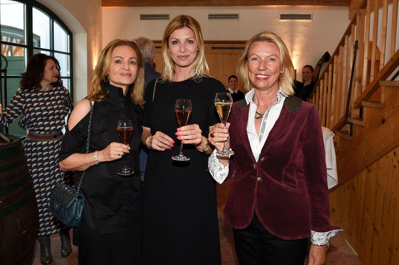 Unternehmerin Sigrid Streletzki, Katerina Schröder und Daniela Lindner (Börlind) beim Champagner-Empfang