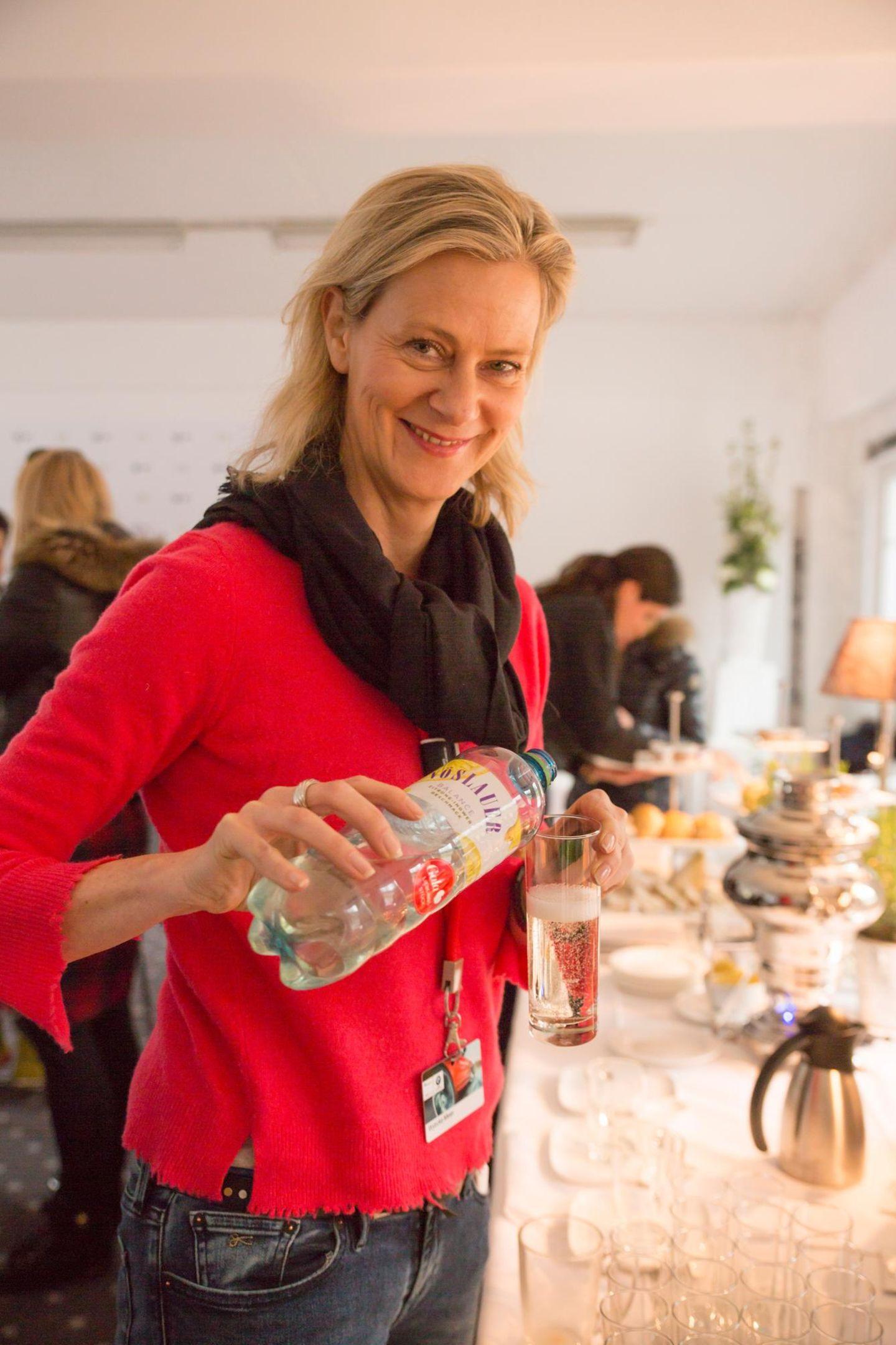 Wybcke Meier (TUI Cruises)erfrischt sich in der Pause mit Vöslauer Balance Juicy.
