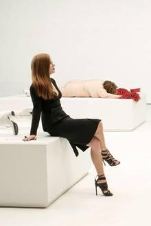Susan (Amy Adams) und Regisseur Tom Ford in der Kunstausstellung ihrer Galerie, die den beeindruckenden Anfang des Filmes bildet.