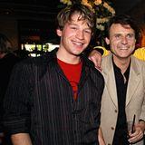 Dieses breite Grinsen sollten langjährige GZSZ-Fans kennen. Es gehört zu Oliver Bender, der zwischen 2004 und 2009 den Tim Böcking mimt und damit zum Haupt-Cast gehört.