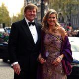 28. April: Geburtstagsdinner  Im königlichen Schloss in Amsterdam steht am zweiten Tag der Geburtstagsfeierlichkeiten ein Dinner auf dem Programm. Willem-Alexander und Máxima fahren dazu mit einer Limousine vor.