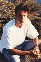 """Michael """"Bully"""" Herbig  Mit 18 Jahren hätte Michael Herbig locker als Mitglied einer Boygroup durchgehen können. Oder doch eher als Soap-Star? Wir jedenfalls würden dem Komiker gerne mal durch die wilde Mähne wuscheln."""