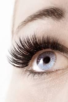 Der Wimpernkranz sieht nach der Behandlung deutlich dichter und voller aus.