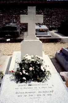 Das Grab von Romy Schneider in Boissy-sans-Avoir
