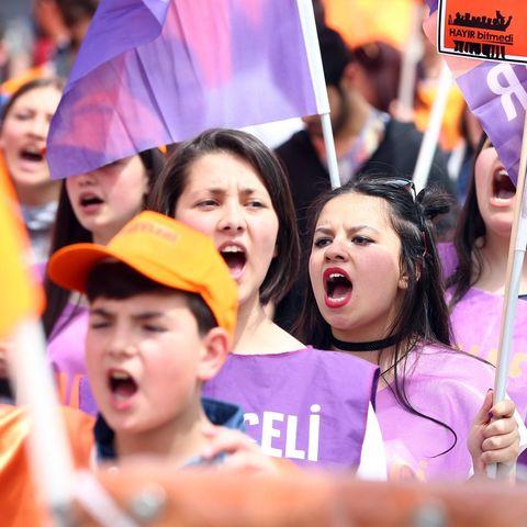 Wütende Frauen bei einer Demonstration am 01. Mai 2017 in Ankara