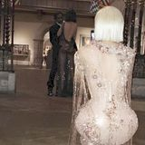 Moment 6  ... als Kylie Jenner und Kim Kardashian via Snapchat die Beziehung ihrer Schwester Kendall Jenner zu Rapper Asap Rocky auffliegen lassen und einfach Fotos dieses intimen Moments posten.