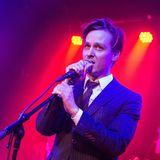 """Mit seiner Band """"The Jazz Kids"""" tritt Schauspieler Tom Schilling in Hannover auf. Es gibt sogar ein Debütalbum, mit dem Namen """"Vilnius""""."""