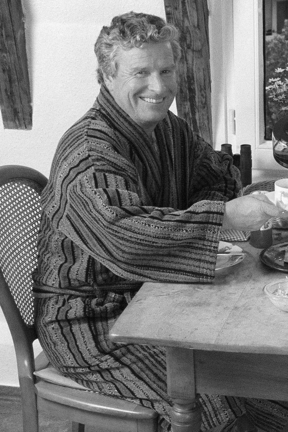 Mai 2017: Andreas von der Meden (74 Jahre)   Er war Schauspieler, Musiker und und hat Kermit dem Frosch, Skinny Norris (Die drei ???) und David Hasselhoff seine Stimme geliehen. Nun ist der Synchronsprecher gestorben.