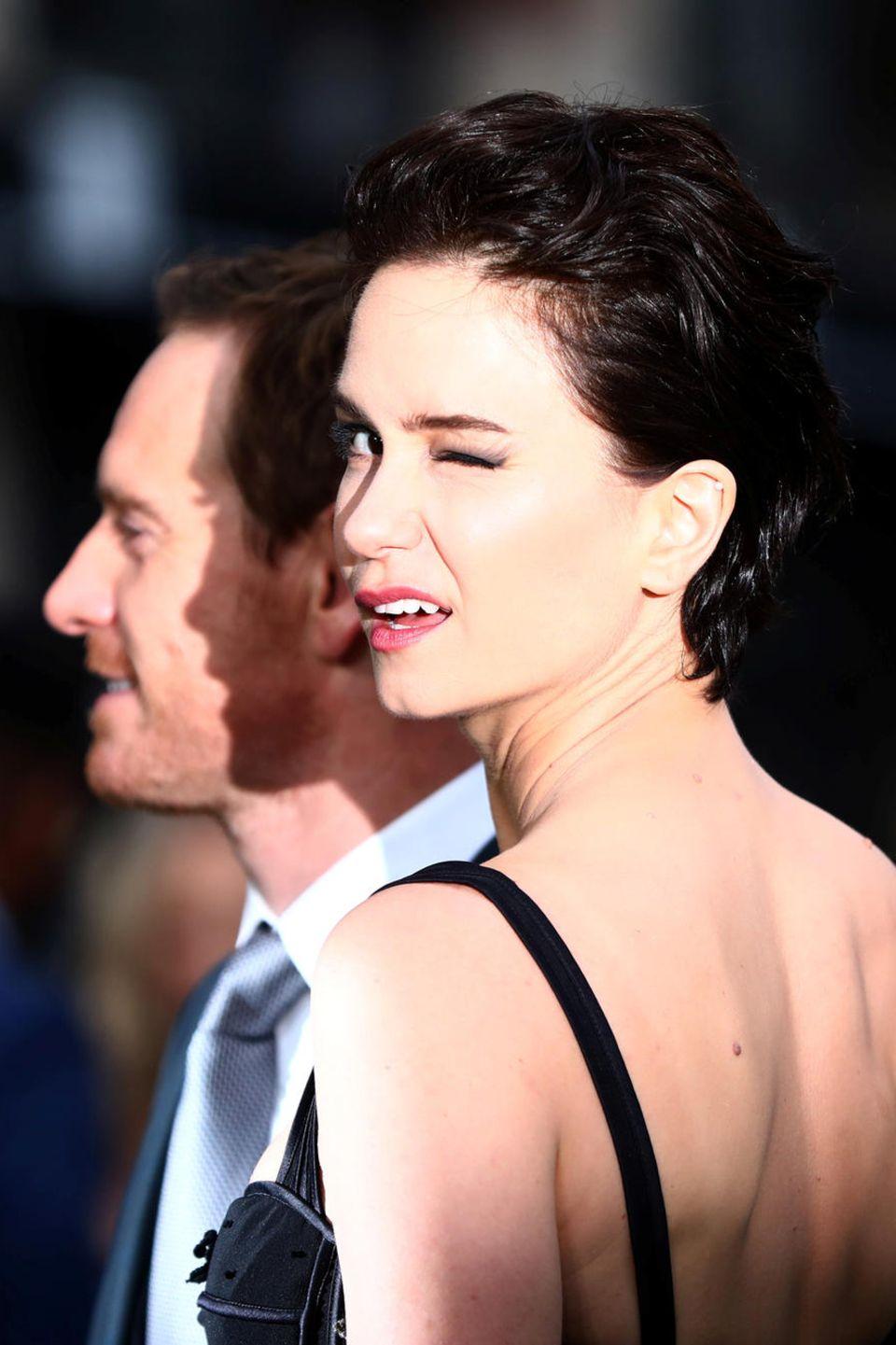 """4. Mai 2017  Michael Fassbender und Katherine Waterston feiern in London die Weltpremiere von """"Alien: Covenant""""."""