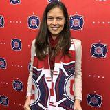 """Natürlich ist Ana keine typische Spielerfrau, trotzdem unterstützt sie ihren Basti so viel es geht und postet dieses Bild von sich bei der offiziellen Willkommensfeier ihres Ehemanns bei """"Chicago Fire""""."""