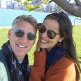 Zusammen mit ihrem Basti genießt Ana ihre Freizeit in ihrer Neu-Heimat Chicago. Wenn Basti gerade nicht auf dem Fußballfeld steht, erkunden die beiden gemeinsam die Stadt und dabei entstehen süße Selfies wie dieses.