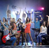 ... und verwandeln sich anschließend in Rock-Stars!