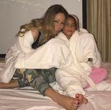 Tochter Monroe und Mutter Mariah Carey freuen sich auf einen erholsamen Spa-Abend.