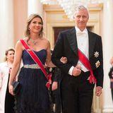 Neben König Philippe von Belgien glänzt Prinzessin Märtha-Louise in diesem fedrigen Bustier-Kleid der norwegischen Designerin Cecilie Melli, zu dem sie ihre Lieblingstiara trägt, ein Geschenk ihres Großvaters König Olav V. zu ihrem 18. Geburtstag.
