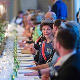 9. Mai 2017  Ein Blick auf die prachvolle Tafel im Schloss, an der unter anderem Königin Silvia Platz genommen hat.