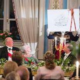 9. Mai 2017  Sonja Geschenk an Harald: ein Lagerhaus für die Prinsehytta, in dem er seine Beute vom Fischen und Jagen bewundern kann.