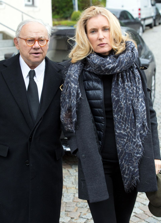 Hubert Burda und Maria Furtwängler bei der Beisetzung vonSônia Bogner (†).
