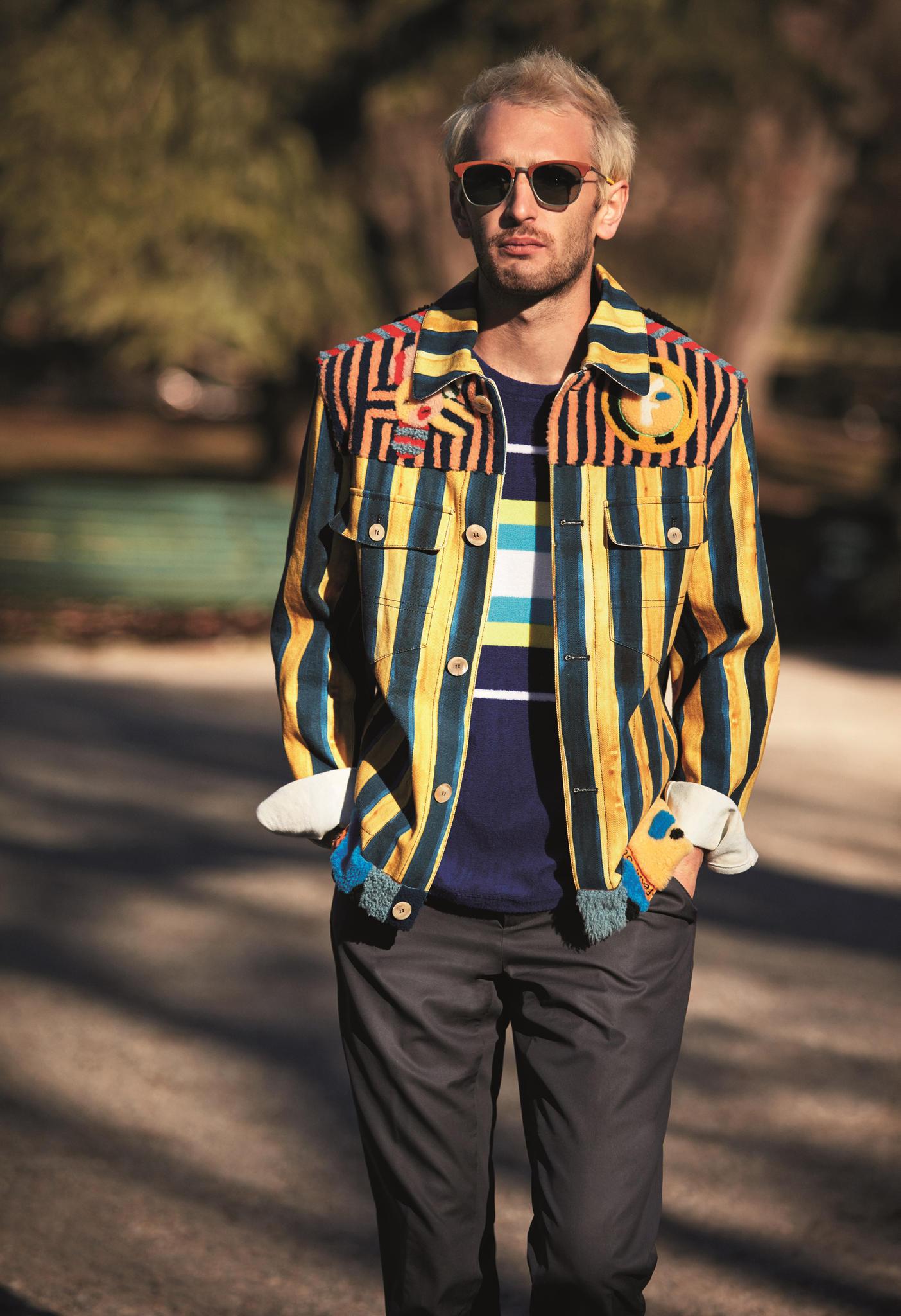 Hopper Penn, der Sohn von Sean Penn und Robin Wright, im Fendi-Look, coole Sonnenbrille inklusive
