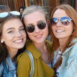 Die anderen Mädchen verbringen ihre Zeit lieber zusammen. Während Leticia, Romina und Anh eine Clique bilden, haben sich auch Céline, Maja und Laynn zu einem kleinen Grüppchen zusammengeschlossen.