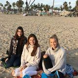 An den Strand zieht es die Mädchen in ihrer Freizeit immer wieder.