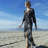 Coole Strand-Fotos für das private Album lässt Maja natürlich auch von sich machen.
