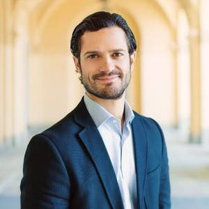 13. Mai 2017  Heute feiert das schwedische Königshaus den 38. Geburtstag von Prinz Carl Philip! Zum Ehrentag wird dieses Foto veröffentlicht. Wir wünschen ihm alle Gute.