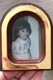 """13. Mai 2017  Ganz selbst reflektiert schreibt Daniela Katzenberger über diese Kindheitserinnerung: """"Wenn ich so darüber nachdenke, ist das schon krass, was ich heute beruflich mache. Wenn man bedenkt, dass ich ein extrem schüchternes Kind war."""