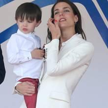 Charlotte Casiraghi und Sohn Rapahel am 13. Mai 2017 bei einem Rennen der Formel E in Monaco