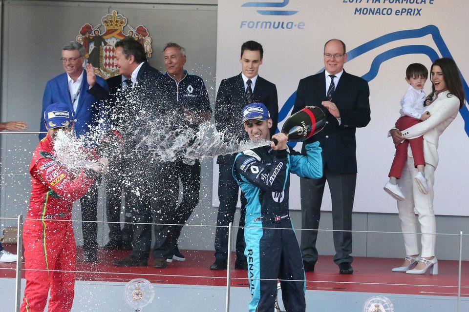 Fürst Albert, Neffe Louis Ducret (3.v.l.), Nichte Charlotte Casiraghi und Großneffe Rapahel am 13. Mai 2017 bei einem Rennen der Formel E in Monaco
