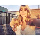Das deutsche Model Julia Stegner gehört seit Mai 2014 zu den Topmodel-Mamas. Wie genau Töchterchen Emma aussieht, hat man bisher noch nicht gesehen. Die Haare hat sie aber definitiv von ihrer hübschen Mutter geerbt.