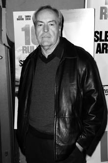 """14. Mai 2017: Powers Boothe (68 Jahre)   Der Schauspieler, unter anderem für seine Rolle in """"Sin City"""" bekannt, ist in seinem Zuhause in Los Angeles im Schlaf gestorben, heißt es."""