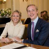 Das glückliche Paar Prinzessin Marie-Gabrielle und Antonius Willms im Standesamt von Luxemburg-Stadt.
