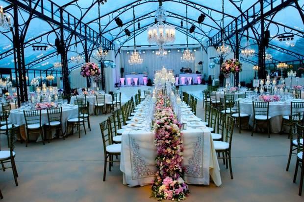 So könnte es im Inneren des Partyzeltes bei Pippas Hochzeit aussehen.