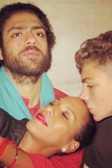 14. Mai 2017  Barbara Becker hat eine innige Beziehung zu ihren Söhnen Noah und Elias und so fühlt sie sich am glücklichsten, wenn sie in ihrere Nähe sind. Diesen Moment teilt sie am Muttertag mit ihren Fans.