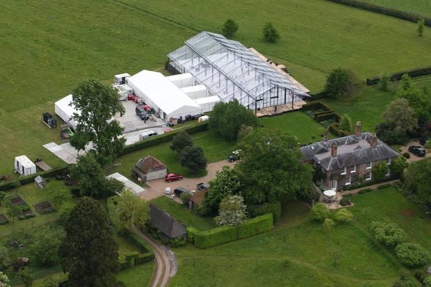Die Vorbereitungen laufen auf Hochtouren: Hier findet am Samstag die große Hochzeitsparty von Pippa und James statt