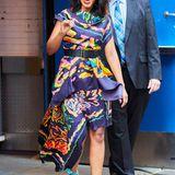 Eine richtige Augenweide ist Kerry Washington im farbenfrohen-floralen Seiden-Dress.