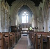 18. Mai 2017  Ein Blick ins Innere der Kirche und auf den Gang zum Altar, den auch das Brautpaar gehen wird.