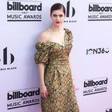 """""""Baywatch""""-Darstellerin Alexandra Daddarios Kleid lässt uns von """"La Dolce Vita"""" träumen."""