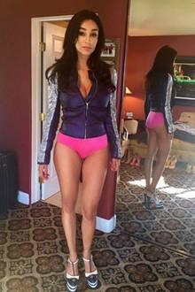 Wow! Veronas Beine sind nicht nur beneidenswert durchtrainiert, sondern scheinen auch endlos lang zu sein. Mit diesem Körper kann die 49-jährige ohne Probleme mit jedem 20-jährigen Model mithalten.