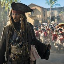 "Johnny Depp als Jack Sparrow in ""Pirates of the Carrbbean: Salazars Rache"""
