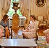 24. Mai 2017  Im königlichen Palast in Brüssel wird sich unterhalten. Das Gespräch von König Philippe und Donald Trump wirkt ernsthafter, während First Lady Melania Trump und Königin Mathilde ausgelassen plaudern.